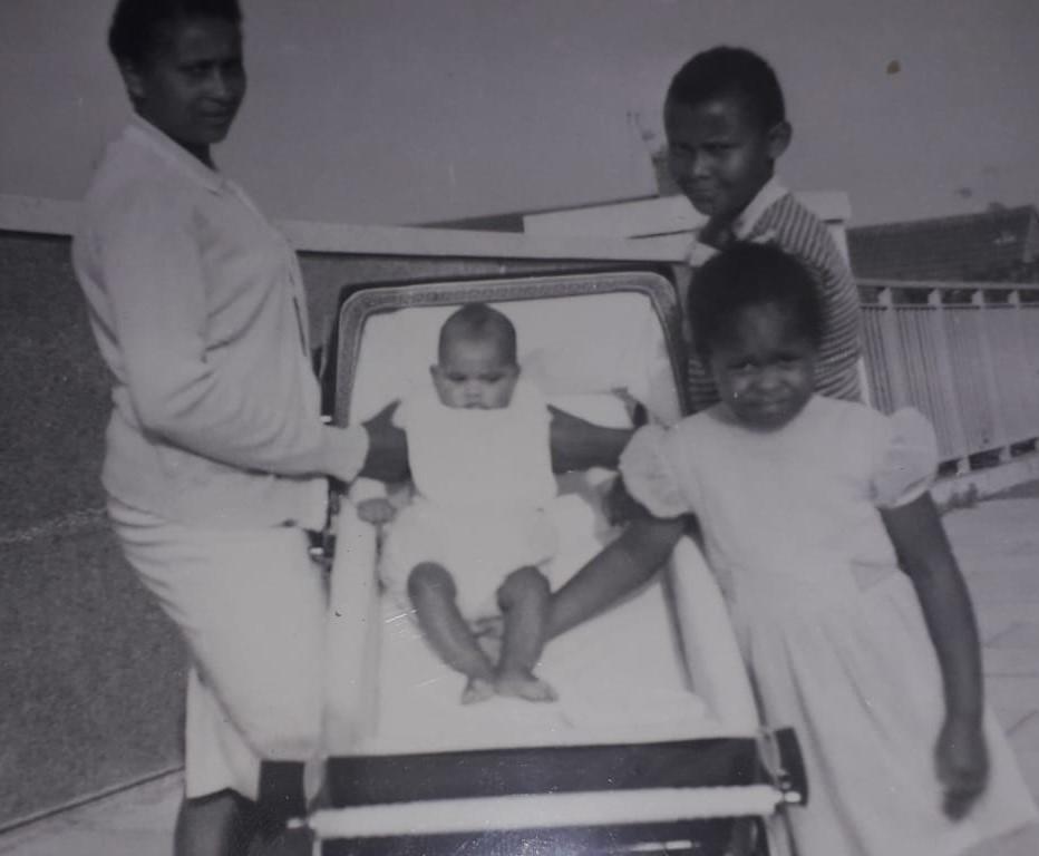 Photograph of Lorna Sanson with her children   Leonard Sanson